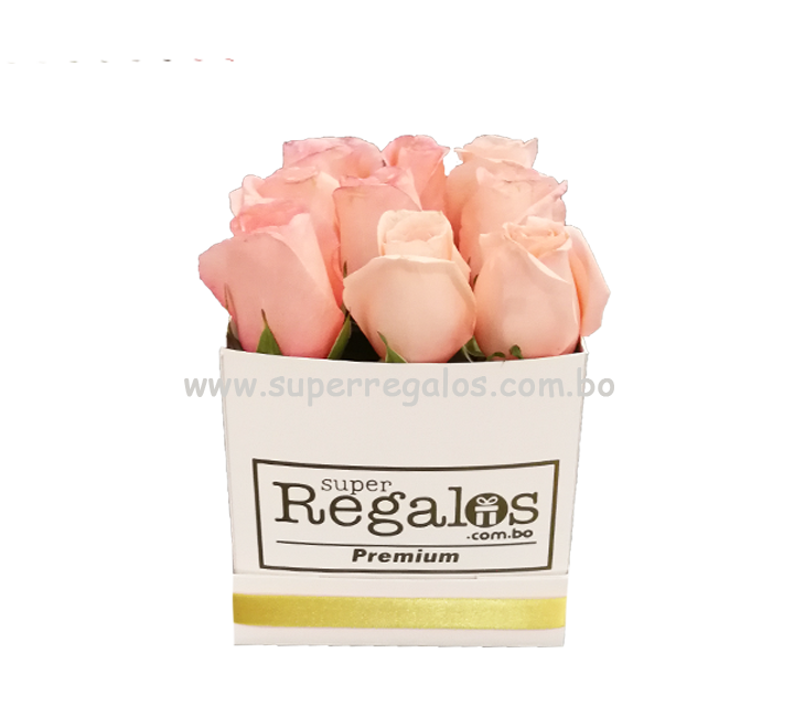 Caja cuadrada con rosas 9 rosas Rosadas