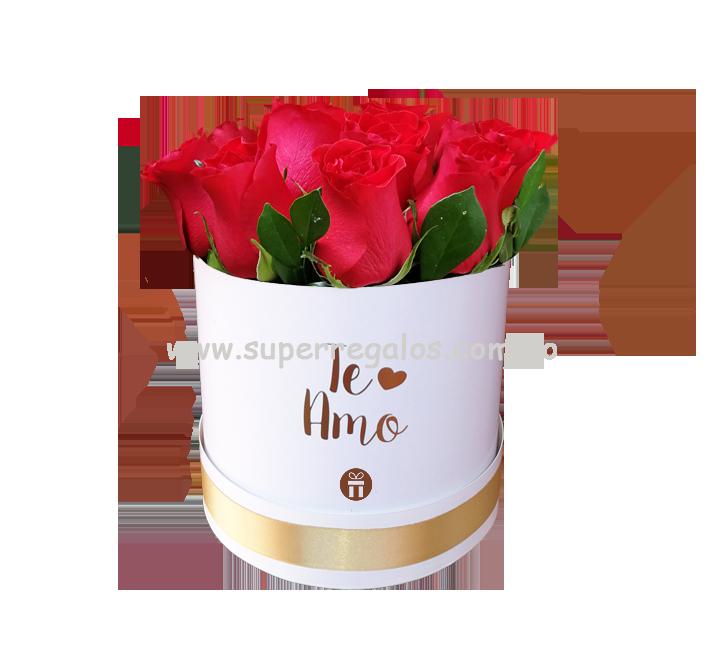 Caja redonda con 12 rosas - Te Amo