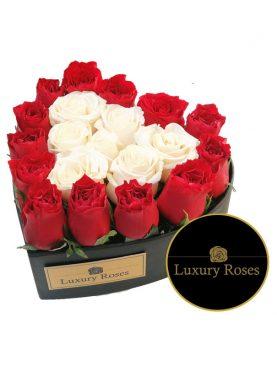 Corazón de madera con rosas
