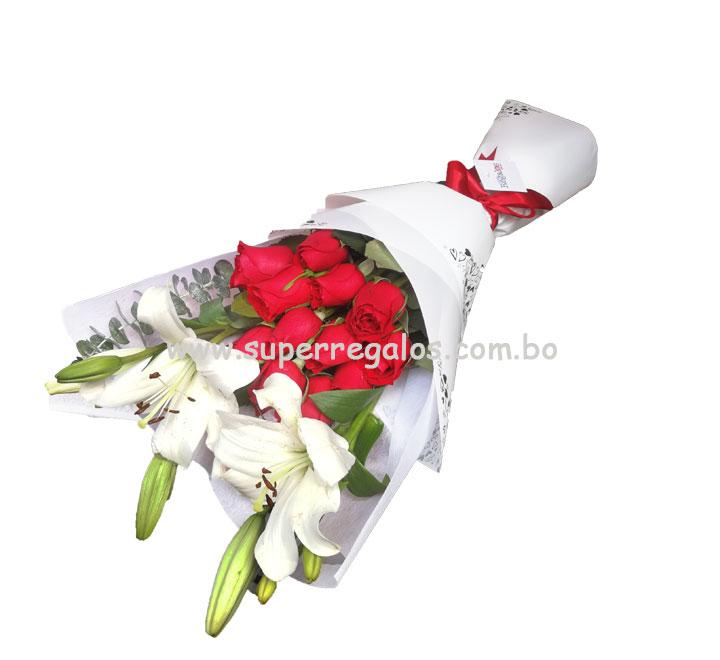 Ramo de 12 rosas y tallos de lirios