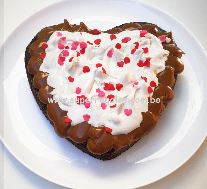 Torta de brownie en forma de corazón