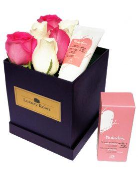 Caja de madera con rosas combinadas - Hidratante para manos - Luxury Roses