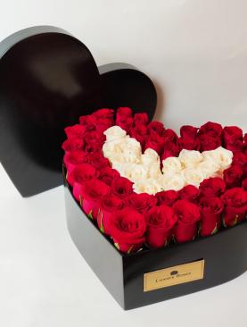 Corazón de madera con rosas grande