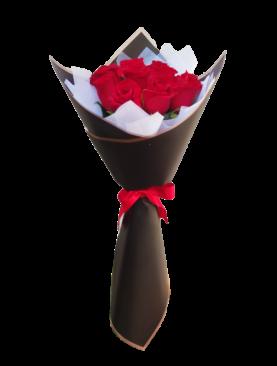 Ramo de 12 rosas en bouquet envoltura negra